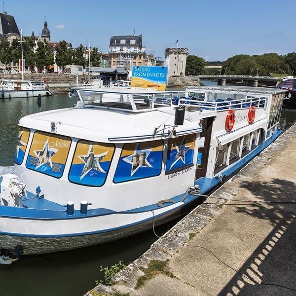 Cruise on the Mosa boat