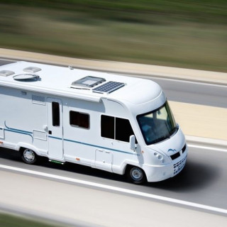 En voiture, en camping-car