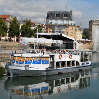 Cruise on the Meuse river