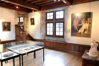 muse-e-salle-des-peintures-795-889